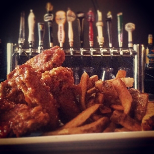 Wings and Beer Credit Gord's Place Niagara