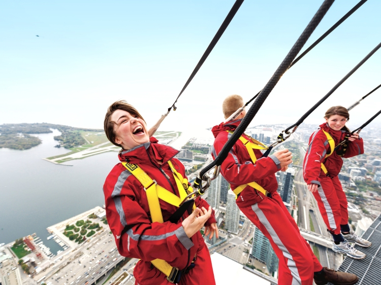 Extreme Adventure - EdgeWalk_Toronto